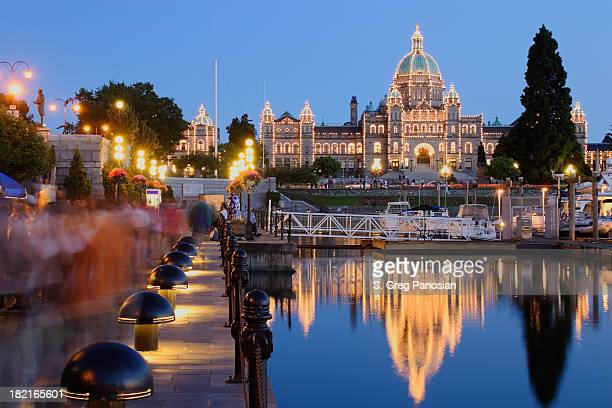 victoria at night - vancouver island stock pictures, royalty-free photos & images