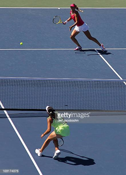 Victoria Azarenka of Belarus in action against Marion Bartoli of France during the quarterfinals of the Bank of the West Classic at Stanford...