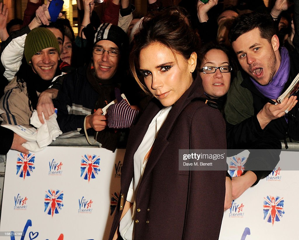 Victoria Beckham arrives at the Gala Press Night performance of 'Viva Forever' at the Piccadilly Theatre on December 11, 2012 in London, England.