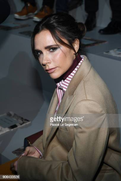 Victoria Beckham attends the Louis Vuitton Menswear Fall/Winter 20182019 show as part of Paris Fashion Week on January 18 2018 in Paris France