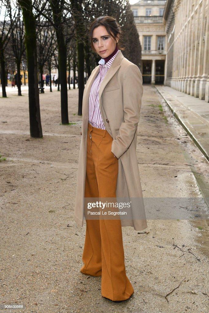 Louis Vuitton : Front Row - Paris Fashion Week - Menswear F/W 2018-2019 : News Photo