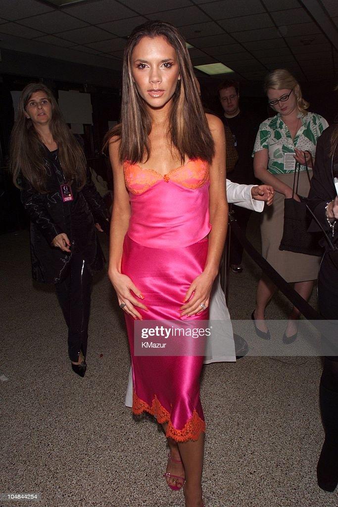 2000 VH1 Vogue Fashion Awards - Arrivals : News Photo