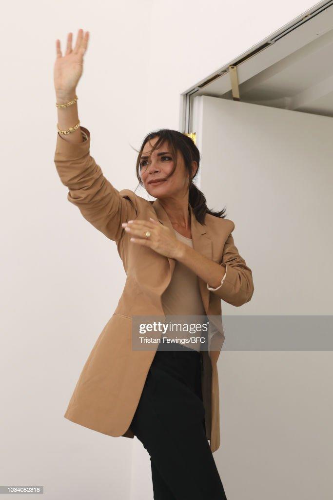 Victoria Beckham - Runway - LFW September 2018 : News Photo