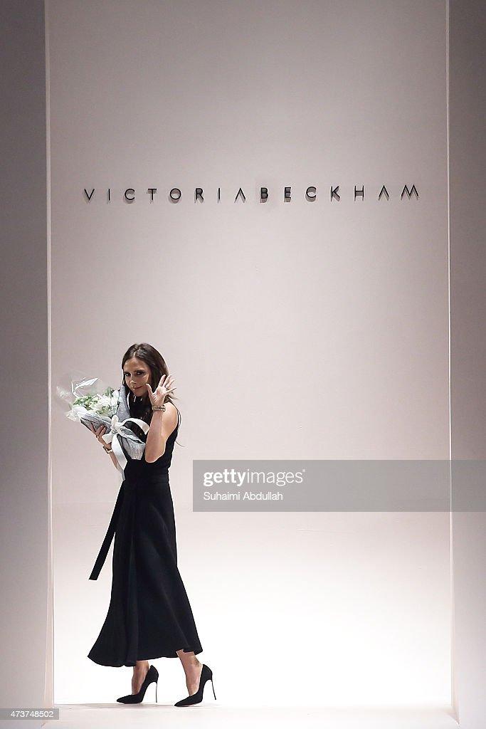 Victoria Beckham - Runway - Singapore Fashion Week 2015