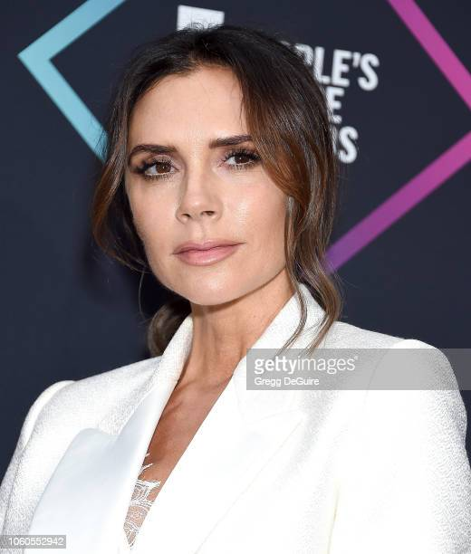 Victoria Beckham recipient of the 2018 Fashion Icon Award poses in the press room at the People's Choice Awards 2018 at Barker Hangar on November 11...