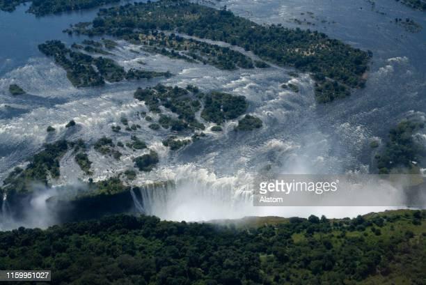 cataratas victoria (mosi-oa-tunya) - zimbabwe fotografías e imágenes de stock