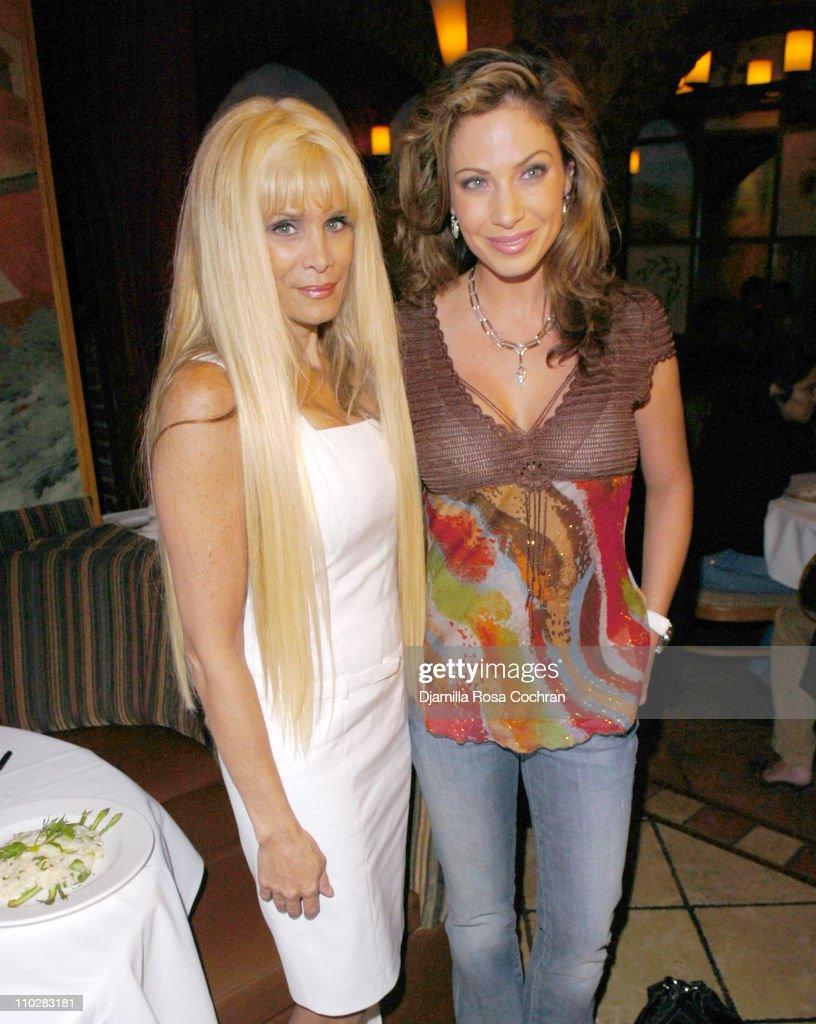 "Victoria Gotti Celebrates the Launch of Her New Book ""Hot Italian Dish"" - May 16, 2006 : News Photo"
