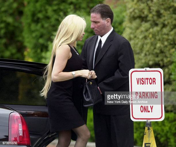 Victoria Gotti arrives at the Papavero Funeral Home in Maspeth Queens for the wake of her father mob boss John Gotti