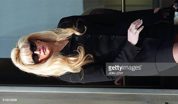 Victoria Gotti daughter of convicted Gambino Family crime boss John Gotti leaves federal court 02 February in White Plains after attending a bail...