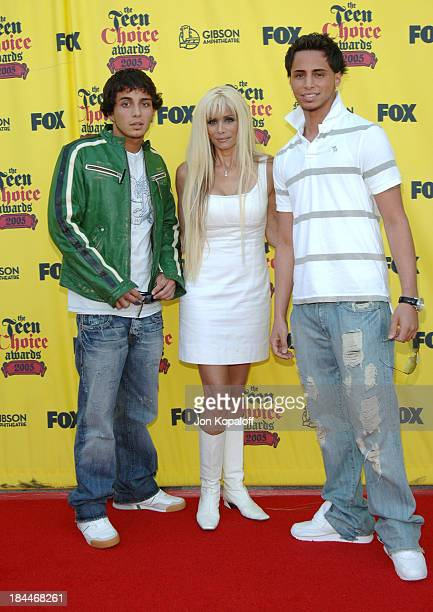 Victoria Gotti with Frank Gotti Agnello and John Gotti Agnello