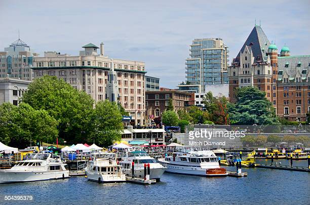victoria harbor during the day - victoria canada stock pictures, royalty-free photos & images