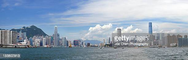 victoria harbour, hong kong - kowloon peninsula stock pictures, royalty-free photos & images
