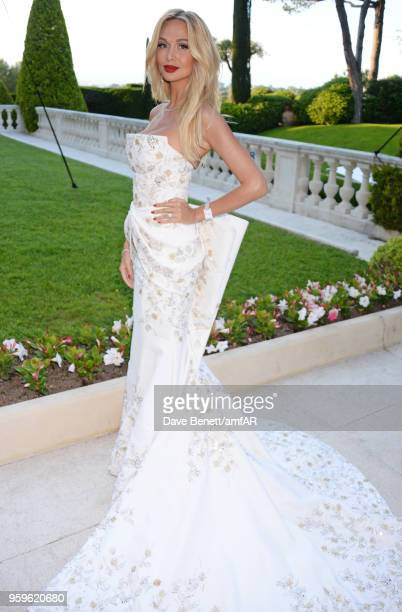 Victoria Lopyreva arrives at the amfAR Gala Cannes 2018 at Hotel du CapEdenRoc on May 17 2018 in Cap d'Antibes France