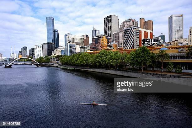 Victoria Melbourne skyline banks of Yarra River