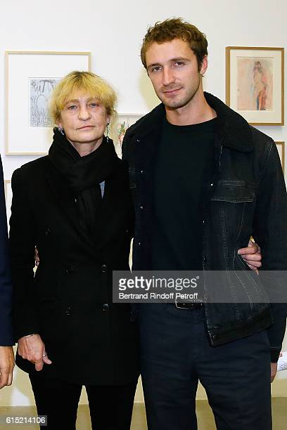 Victoria Niarchos and her son Theo Niarchos attend Galerie Patrick Seguin presents 'Carte Blanche To Karma' on October 17 2016 in Paris France