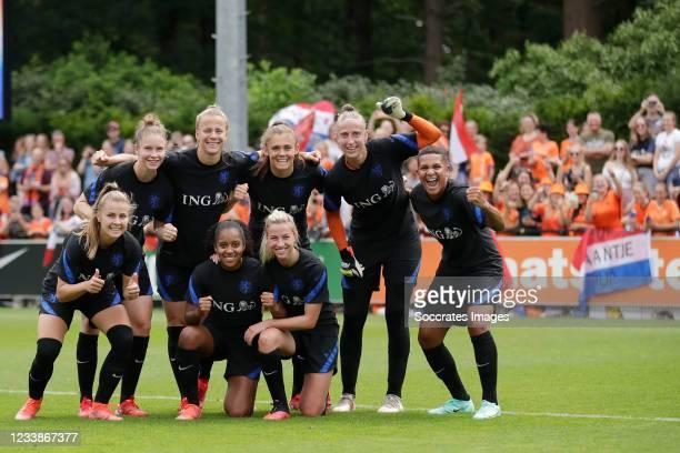 Victoria Pelova of Holland Women, Sisca Folkertsma of Holland Women, Lynn Wilms of Holland Women, Asleigh Weerden of Holland Women, Jackie Groenen of...