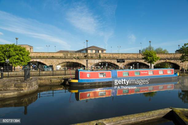 victoria quays, sheffield, england - sheffield stock pictures, royalty-free photos & images