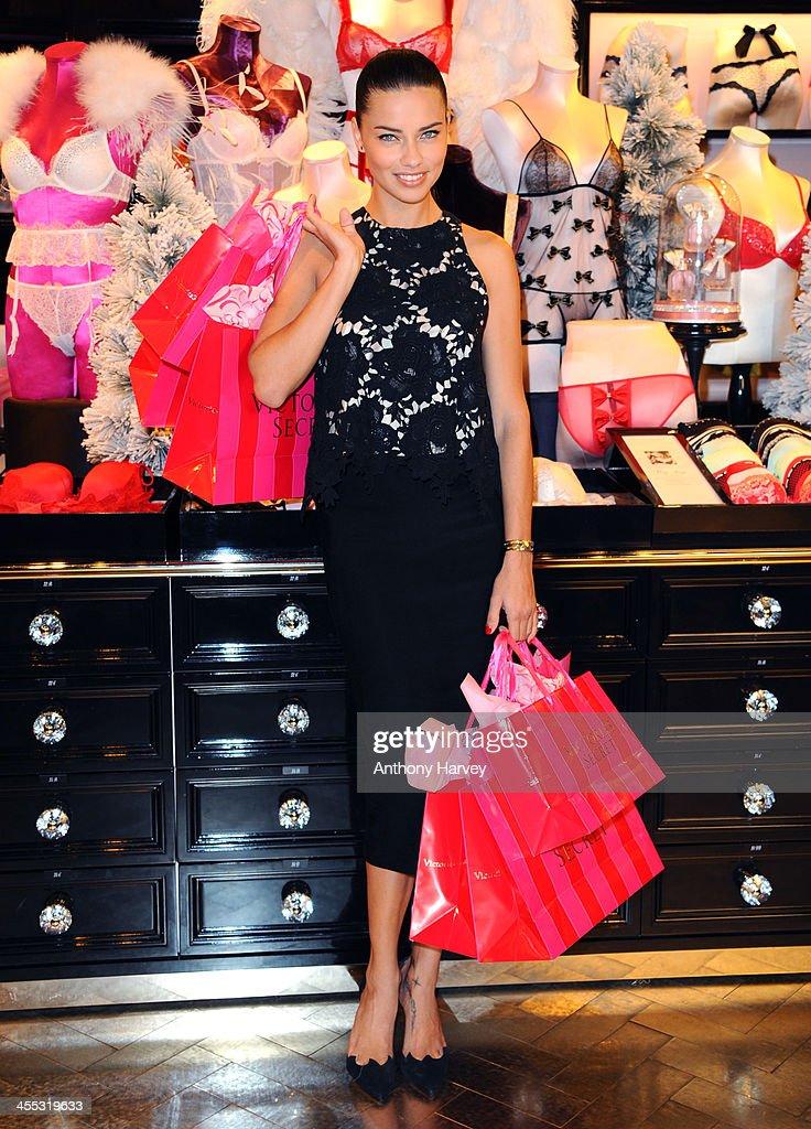 Victoria's Secret Angel Photocall  : News Photo