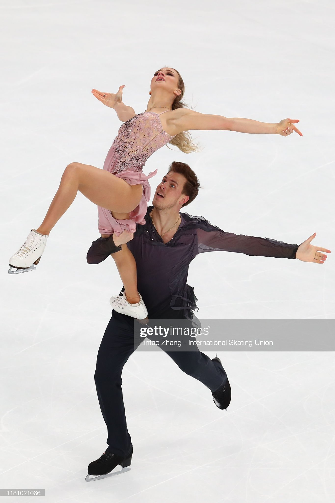 https://media.gettyimages.com/photos/victoria-sinitsina-and-nikita-katsalapov-of-russia-performs-in-the-picture-id1181021066?s=2048x2048