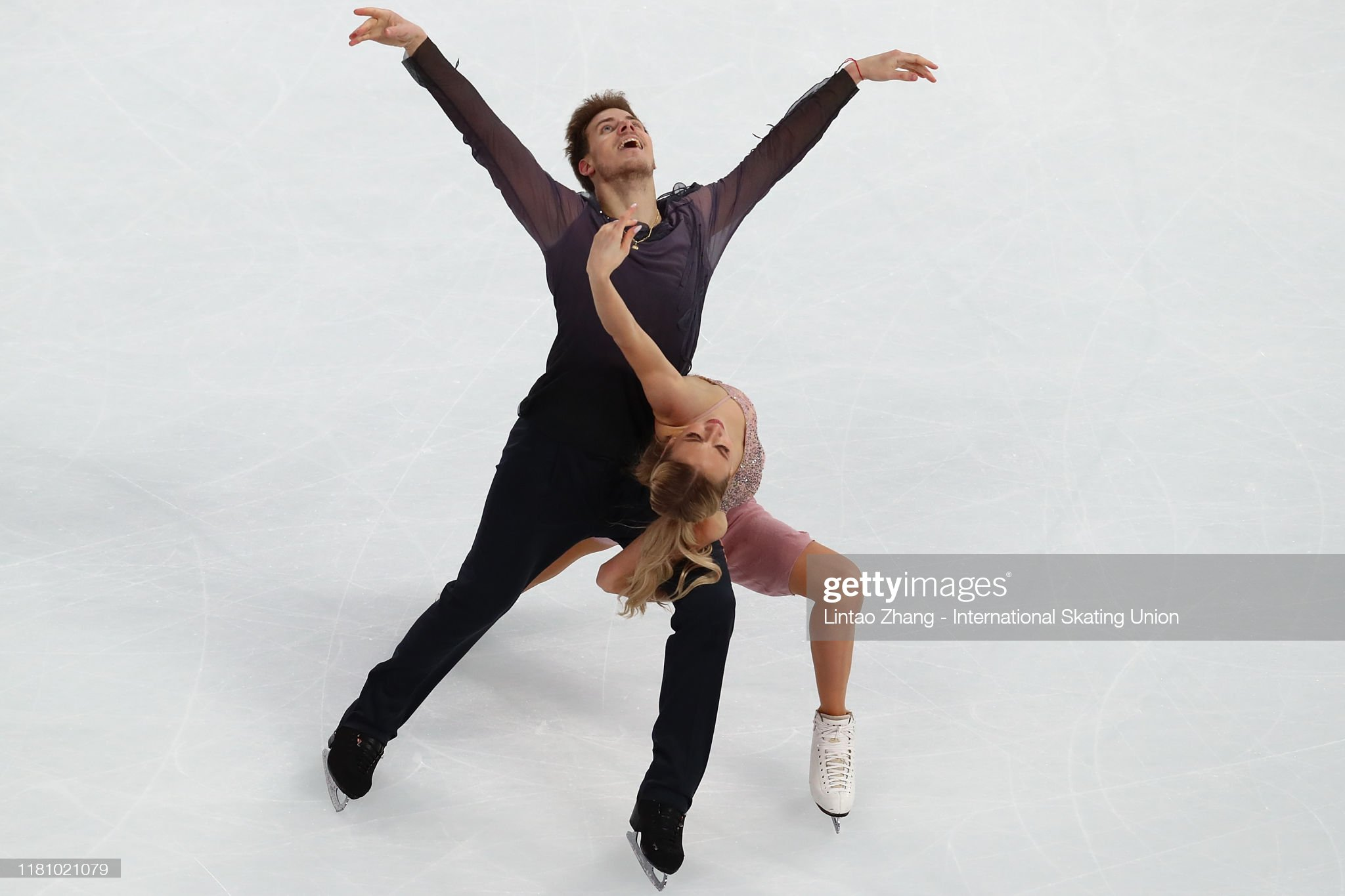 https://media.gettyimages.com/photos/victoria-sinitsina-and-nikita-katsalapov-of-russia-performs-in-the-picture-id1181021079?s=2048x2048