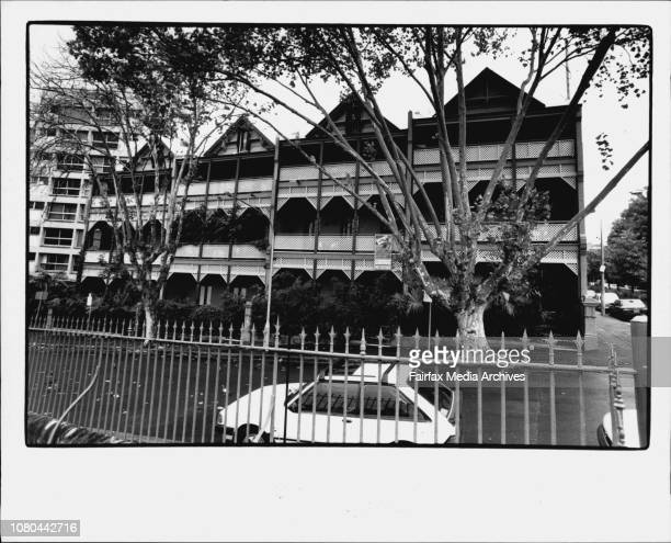 Victoria street, Potts Point.***** the price, although the Marsh Freedman-decorated apartment had been passed in at $485,000 last month. Neville...