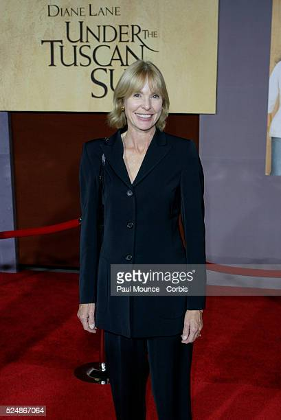Victoria Tennant arrives at the world premiere of Under the Tuscan Sun at the El Capitan Theater