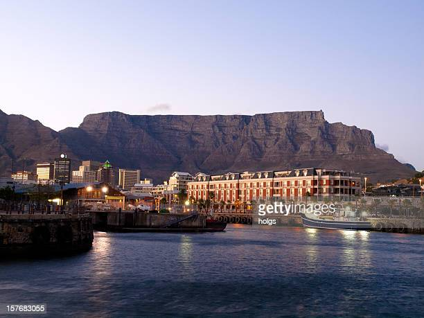 victoria waterfront, cape town south africa - table mountain stock pictures, royalty-free photos & images