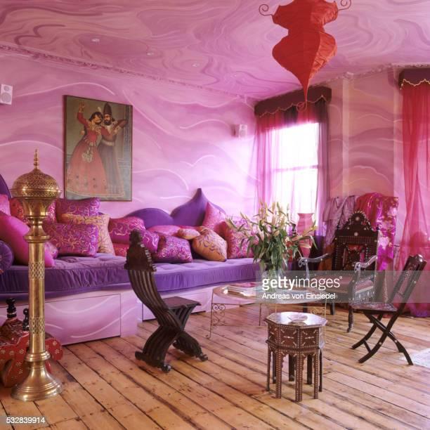 victorian london villa with arabesque ceramic and pink walls - leste imagens e fotografias de stock