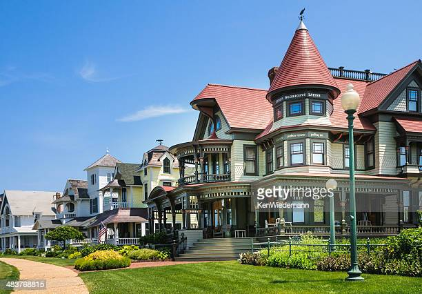 victorian row - martha's vineyard stock pictures, royalty-free photos & images