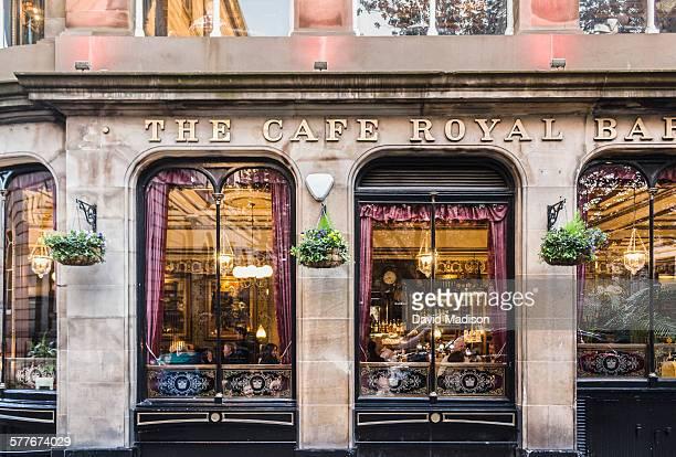 victorian style cafe/bar in edinburgh. - edimburgo fotografías e imágenes de stock