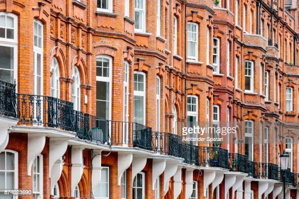 victorian style houses in london, uk - kensington and chelsea stock pictures, royalty-free photos & images