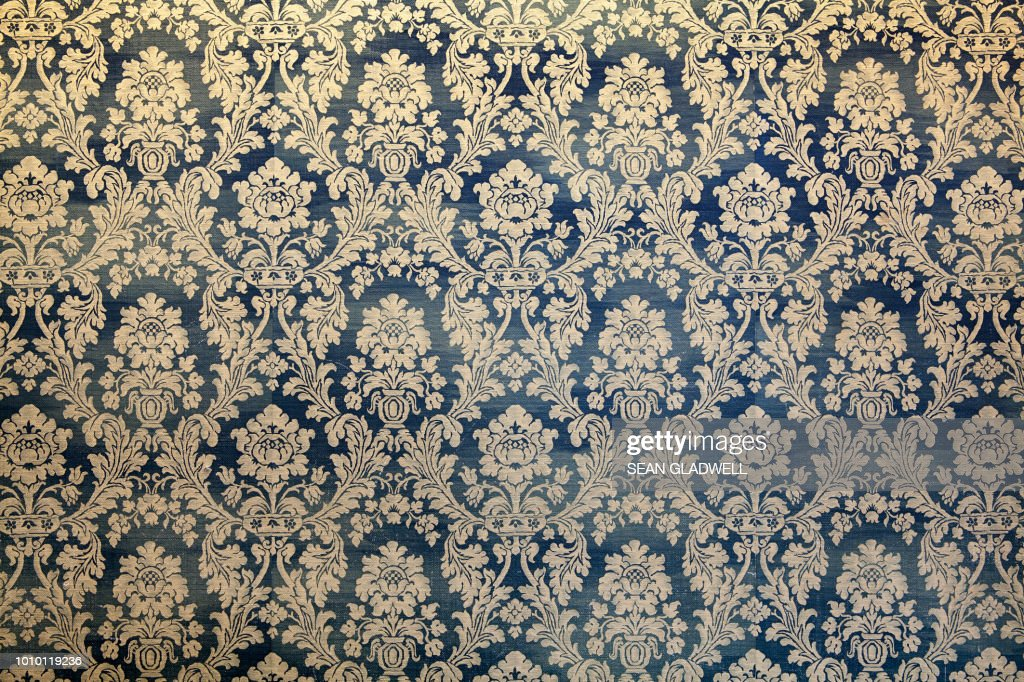 Victorian wallpaper pattern : Stock Photo