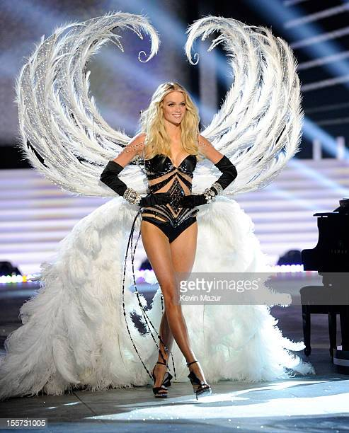Victoria's Secret Angel Lindsey Ellingson walks the runway during the 2012 Victoria's Secret Fashion Show at the Lexington Avenue Armory on November...