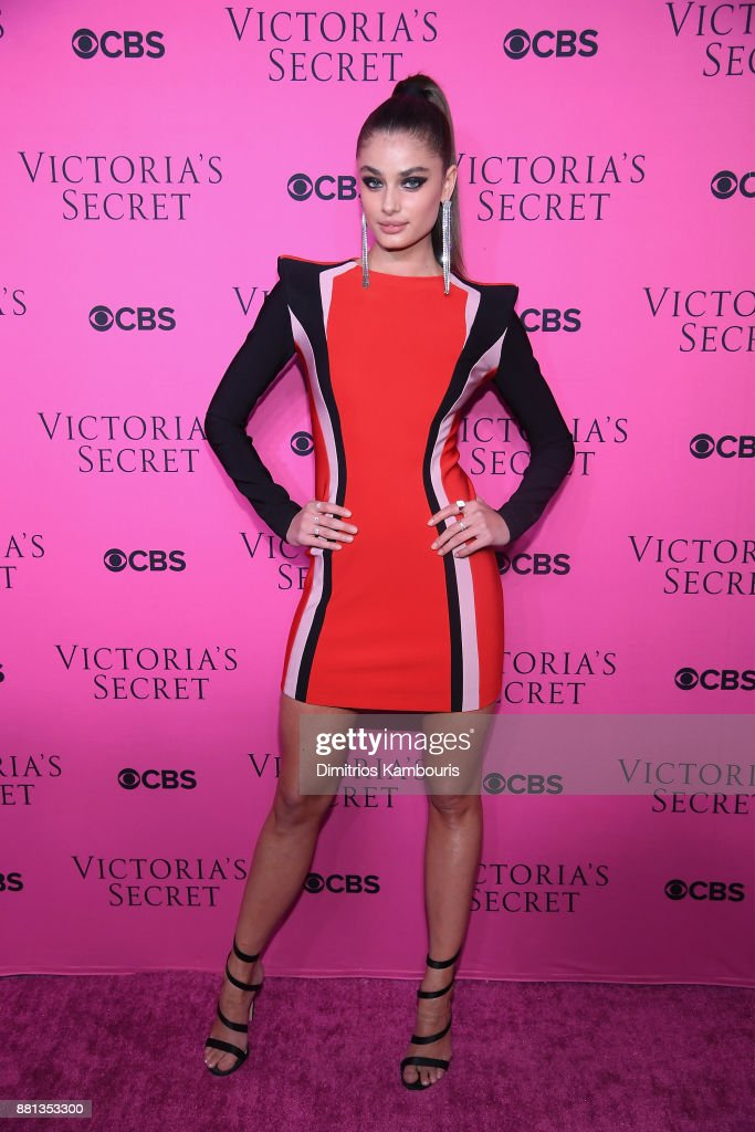Victoria's Secret Angel Taylor Hill attends as Victoria's Secret Angels gather for an intimate viewing party of the 2017 Victoria's Secret Fashion Show at Spring Studios on November 28, 2017 in New York City.