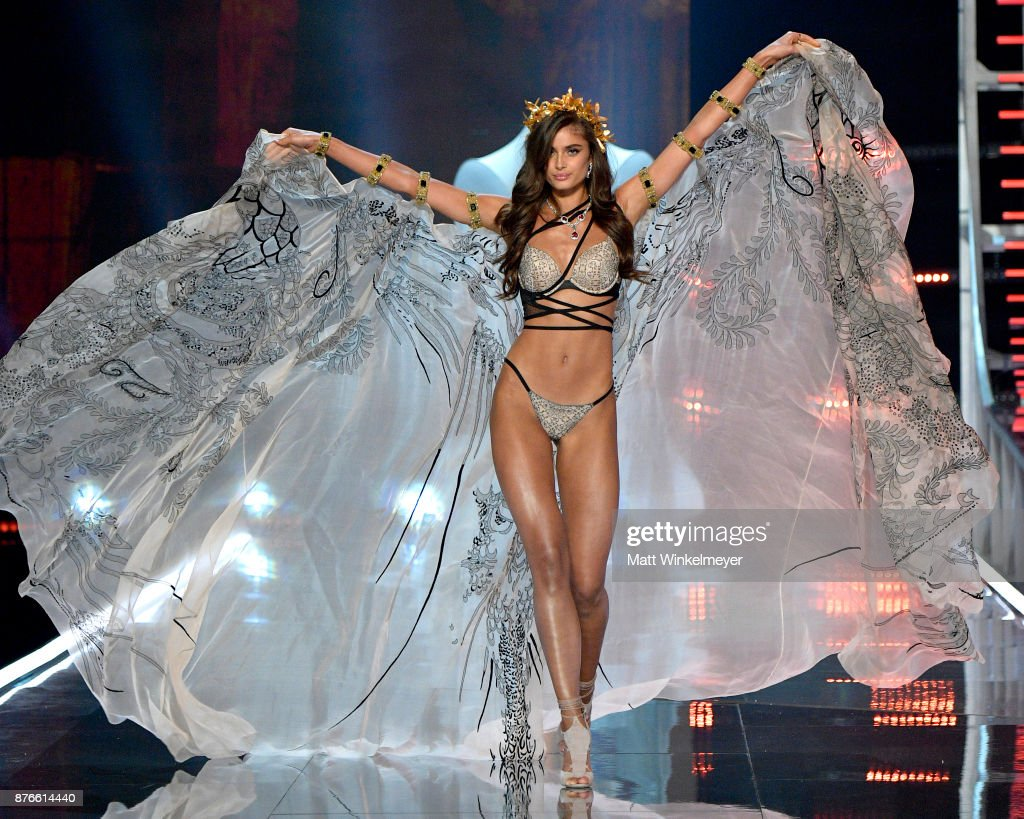 Victoria's Secret Angel Taylor Hill walks the runway during the 2017 Victoria's Secret Fashion Show In Shanghai at Mercedes-Benz Arena on November 20, 2017 in Shanghai, China.