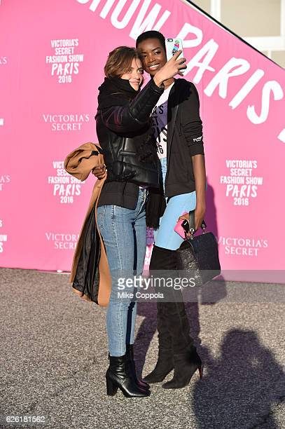 Victoria's Secret models Lais Oliviera and Maria Borges depart for Paris for the 2016 Victoria's Secret Fashion Show on November 27 2016 in New York...