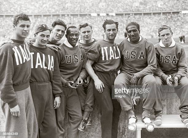 Victorious Relay Runners at the Olympic Games in Berlin 1936 Germany Photography 1936 [Die Gewinner der Gold und Silbermedaillen in der 400 Meter...