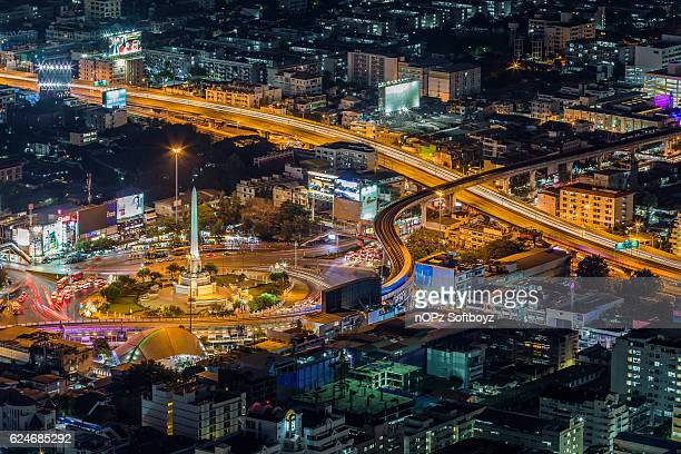 victory monument - nopz stock pictures, royalty-free photos & images