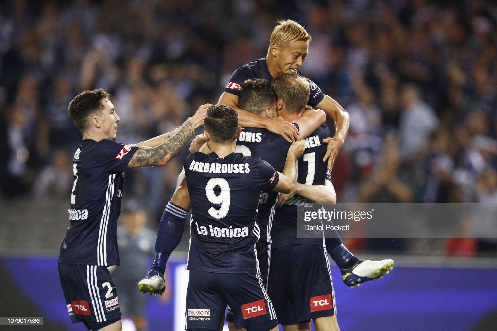 A-League Rd 7 - Melbourne v Adelaide : News Photo
