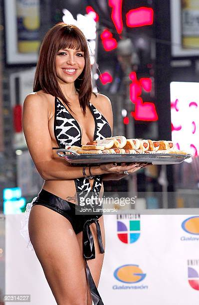Vida Guerra attends the launch of the ''Lo Mejor On Demand'' channel in Times Square on October 23, 2009 in New York City.