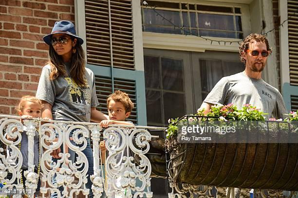Vida McConaughey, actor Camila Alves, Levi McConaughey, and actor Matthew McConaughey participate in a charity Amazing Race Scavenger Hunt at a New...