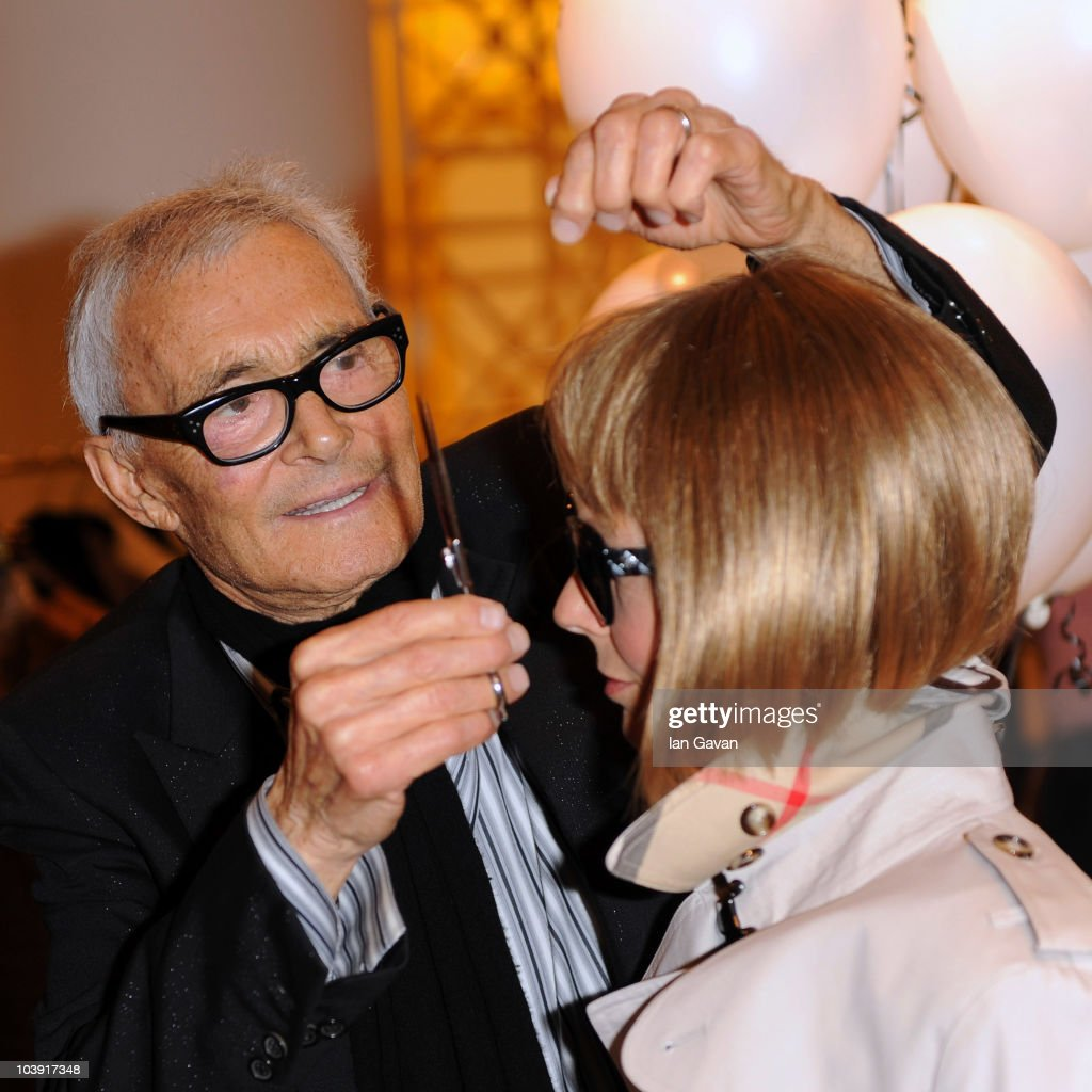 vidal sassoon attends his autobiography signing with an. Black Bedroom Furniture Sets. Home Design Ideas