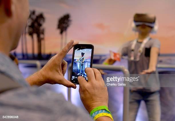 VidCon attendee experiences Samsung Gear VR at The Samsung Experience at VidCon 2016 on June 23 2016 in Los Angeles California