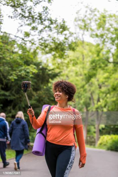 video call on the go - sunderland stock pictures, royalty-free photos & images