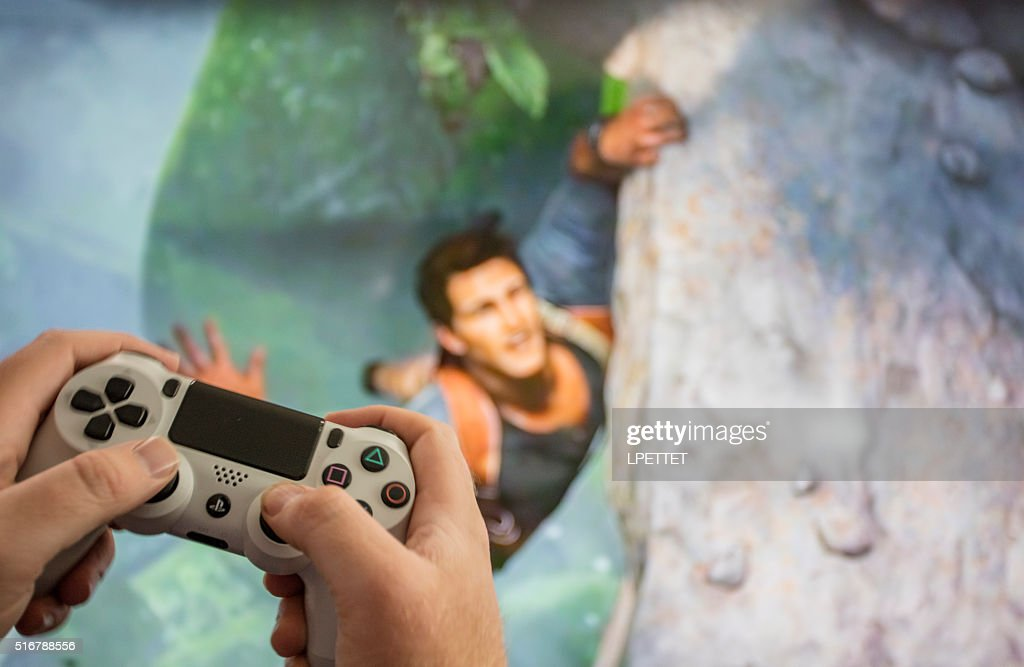 PS4 video game Uncharted 4 : Stock Photo