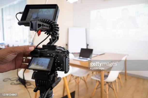 video recording broadcasting online conference - live broadcast stock pictures, royalty-free photos & images