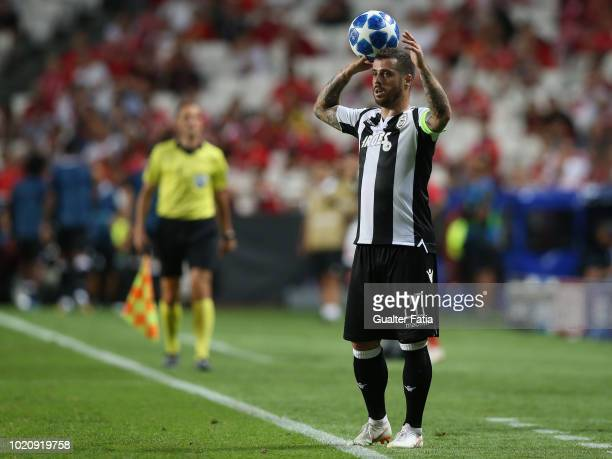 Vieirinha of PAOK throws the ball during the UEFA Champions League Play Off match between SL Benfica and PAOK at Estadio da Luz on August 21 2018 in...