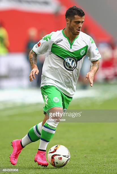 Vieirinha of Wolfsburg runs with the ball during the Bundesliga match between VfL Wolfsburg and Eintracht Frankfurt at Volkswagen Arena on August 16...