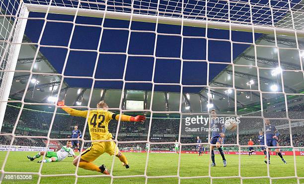 Vieirinha of Wolfsburg scores his goal during the Bundesliga match between VfL Wolfsburg and Werder Bremen at Volkswagen Arena on November 21 2015 in...