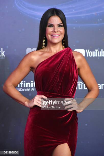 Vielka Valenzuela poses for photos on the red carpet before the XVII Lunas del Auditorio award ceremony at Auditorio Nacional on October 31 2018 in...